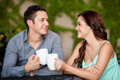 Erstes Datum an einer Kaffeestube Stockfoto