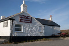 Erstes und letztes Haus in England Lizenzfreie Stockbilder
