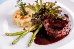 erstklassiges Steak des Leistenzarten lendenstücks Lizenzfreies Stockfoto