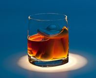 Ertrinken Sie in einem Glas alkoholischem Getränk Lizenzfreies Stockbild