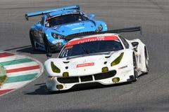 12 erts Hankook Mugello 18 Maart 2017: #488 octaan 126, Ferrari 488 GT3: Bjorn Grossmann, Fabio Leimer op Mugello-Kring Stock Afbeelding
