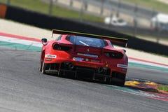 12 erts Hankook Mugello 18 Maart 2017: #11 Scuderia Praha, Ferrari 488 GT3: Jiri Pisarik, Josef Krà¡ l, Matteo Malucelli op Mu Stock Fotografie