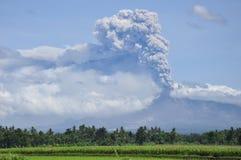 Erupção de Merapi da montagem Foto de Stock
