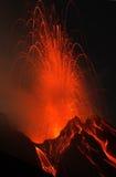 Erupção de Strombolian Fotos de Stock Royalty Free