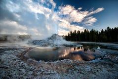 Erupção do geyser do castelo Fotografia de Stock Royalty Free