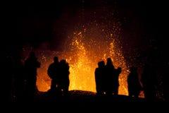 Erupção do vulcão, fimmvorduhals Islândia foto de stock