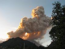 Erupção vulcânica Fotografia de Stock