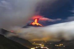 Erup??o do vulc?o de Tungurahua foto de stock royalty free