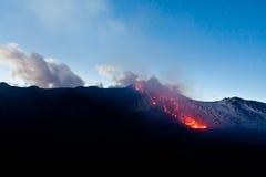 erupción 2011 del volcán del Etna Imagen de archivo libre de regalías