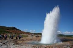 Erupción de Geysir imagen de archivo