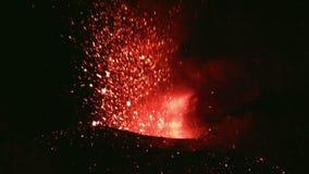 Erupción de Volcano Etna, Italia almacen de video