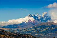 Erupción del volcán de Cotopaxi en Ecuador, del sur Fotografía de archivo libre de regalías