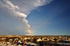 Erupci?n del Etna Imágenes de archivo libres de regalías