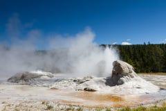 Erupcja grota gejzer Obrazy Stock
