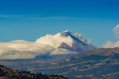 Eruption von Cotopaxi-Vulkan in Ecuador, Süd Stockfotografie