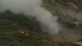 Eruzione del geyser Bolshoy in valle del video di riserva del metraggio dei geyser archivi video