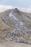 Eruzione del vulcano del fango Fotografia Stock Libera da Diritti