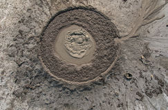 Eruzione del vulcano del fango Immagini Stock Libere da Diritti