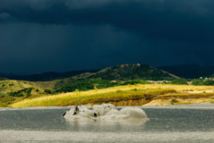 Eruzione del vulcano del fango a Vulcanii Noroiosi Fotografia Stock Libera da Diritti