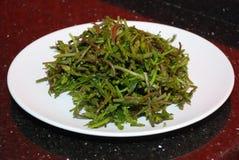 A erva daninha fresca gosta do sparagus Fotos de Stock
