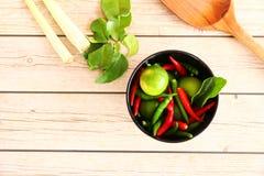 Ervas e especiarias tailandesas da sopa de Tom Yam imagem de stock royalty free