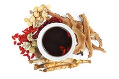Ervas e medicina tradicionais chinesas Fotografia de Stock Royalty Free