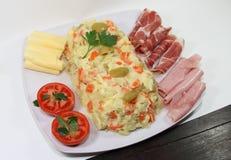Ervilhas das batatas da maionese Fotografia de Stock