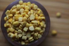 Ervilhas secas amarelas orgânicas foto de stock