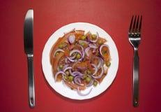 Ervilhas verdes da cebola vegetal do tomate da salada Fotografia de Stock