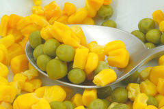 Ervilhas verdes e sweetcorn Fotografia de Stock Royalty Free