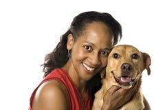 Erwachsene Frau mit Hund. Stockfoto