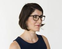 Erwachsene Frauen-Gesichts-Ausdruck-Studio-Porträt stockfoto