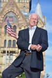 Erwachsener männlicher Politiker Standing stockbild