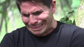 Erwachsener Mann traurig und Schreien stock video footage
