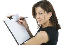 Erwachsener Sekretär zeigt ein unbelegtes Papier stockbild