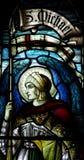 Erzengel Michael im Buntglas stockfotos