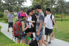 Es el intercambio de ofertas de turistas en SHENZHEN Fotos de archivo libres de regalías