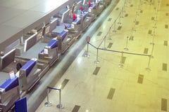 Es gibt niemand an der Flughafenabfertigung Lizenzfreie Stockfotos