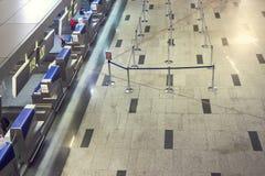 Es gibt niemand an der Flughafenabfertigung Stockfotografie