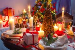 Es hora para la cena de la Navidad Fotos de archivo libres de regalías