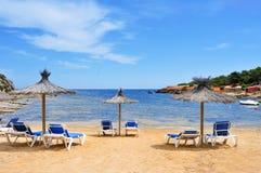 ES Pou des Lleo小海湾在伊维萨岛海岛,西班牙 库存照片