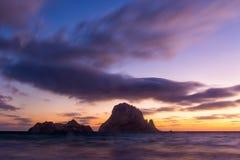 Es Vedra podczas zmierzchu, Fuerteventura, wyspy kanaryjska, Hiszpania Obrazy Stock