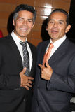 Esai Morales, Antonio Villaraigosa photos stock