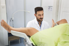 Esame della clinica del ginecologo immagini stock libere da diritti