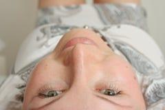 Esaminando il soffitto Fotografie Stock