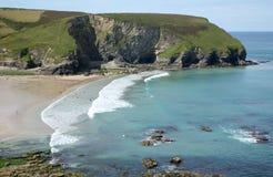 Esaminando la spiaggia di Portreath. Fotografia Stock