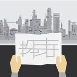 Esaminando mappa Fotografia Stock Libera da Diritti