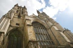 Esaminando in su la cattedrale Fotografie Stock Libere da Diritti