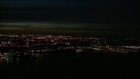 Esaminare l'isola di Manhattan a penombra video d archivio