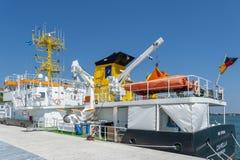 Esamini la capella della nave nella fase di atterraggio nel porto in Sassni fotografie stock libere da diritti